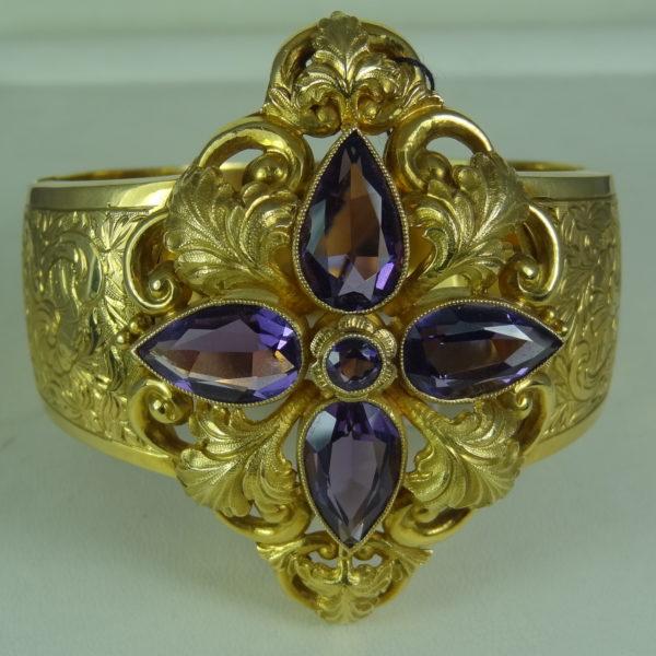 Bransoleta wykonana z dentego złota